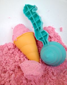 Ice Cream Fun with Cloud Dough #sensory *wonderful pretend play!