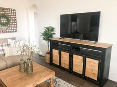 Shanty 2 Chic, Diy Furniture Plans Wood Projects, Rustic Furniture, Diy Projects, Furniture Making, Project Ideas, Furniture Ideas, Pallet Tv Stands, Tv Stand Console