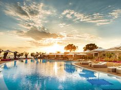 Panoramic sea views and a suite at an exquisite five-star Halkidiki resort, with private beach and spa Thessaloniki, All Inclusive Resorts, Beach Resorts, 5 Star Hotels, Best Hotels, Hotel Gast, Fine Hotels, British Airways, Travel Bugs