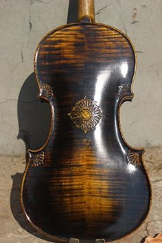 Personal head violin scroll , excellent handcarved old antique style violin Violin Repair, Violin Art, Cellos, Mandolin, Old Antiques, Art Tips, Instrumental, Music Stuff, Beagle