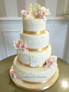 Le Delizie di Amerilde.  Celebrate  cake.  18 anni torta  www.ledeliziediamerilde.it