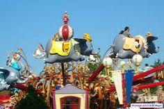 Dumbo, The Flying Elephant : Assurément la plus célèbre attraction des parcs Disney dans le monde, Dumbo the Flying Elephant emmènera les visiteurs pour un voyage dans le ciel de Fantasyland à bord des éléphants volants.