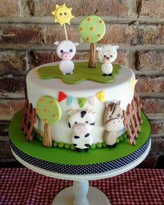Farm Birthday Cakes, Birthday Parties, Cowgirl Cakes, Cow Cakes, Farm Cake, Easy Easter Crafts, Animal Cakes, Farm Party, Fondant Flowers