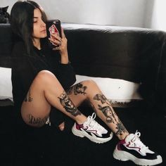 New photography women flowers happy 47 Ideas Tattoo Girls, Girl Tattoos, Tattoos For Women, Tatoos, Hot Tattoos, Body Art Tattoos, Tattoo Muster, Tattoed Women, Tattoo Designs