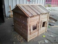 Tutorial To Make A Kid's Hut From Recycled Pallets Fun Crafts for Kids Sheds, Cabins & Playhouses