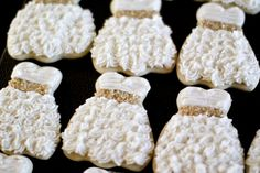 Wedding dress cookies-cute idea for wedding shower. Wedding Dress Cookies, Wedding Shower Cookies, My Bridal Shower, Bridal Showers, Wedding Favors, Party Favors, Wedding Souvenir, Wedding Desserts, Party Games