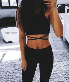 Cropped tank top and criss cross. (DIY the criss cross with ribbon) Cute Crop Tops, Black Crop Tops, Cropped Tank Top, Jeans And Crop Top, Tank Tops, Crop Tank, Crop Top Outfits, Casual Outfits, Summer Outfits