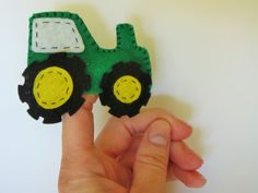 Tractor finger puppet, finger puppet, tractor puppet, tractor toy, handmade, felt, childrens toy, party favor, stocking stuffer, boys, farm