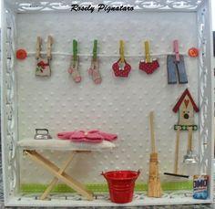 Quadros em miniaturas, miniaturas lavabos,miniaturas consultórios, miniaturas lanchonetes,miniaturas closets,miniatura lavanderia...Vendas Rosely Pignataro Cardboard Box Diy, Cardboard Dollhouse, Diy Dollhouse, Dollhouse Miniatures, Frame Crafts, Fun Crafts, Diy And Crafts, Miniature Furniture, Dollhouse Furniture
