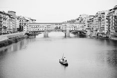 Ponte Vecchio in Florence Italy   photography by http://www.thismodernromance.com/