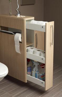 Kihúzható praktikus fürdőszobai tárolószekrény kis tárgyakhoz