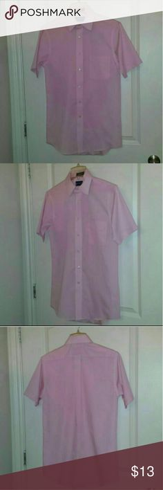 "Mens S 14 1/2"" Pink Dress Dress Shirt This mens dress shirt is LIKE NEW, VERY well cared for. Has ALL of its extra buttons as well!  1) Pink Stafford Essentials (The Everyday Shirt) Short Sleeved Mens Button Up Dress Shirt - 14 1/2"" Small - Classic Fit  Please let me know if you have any questions about this item.  SMOKE & PET FREE HOME Stafford Shirts Dress Shirts"