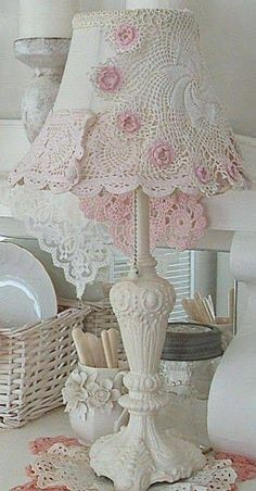 Shabby Chic Decor Where To Buy. Home Decor Home Parties case Shabby Chic Home Items Shabby Vintage, Rosa Shabby Chic, Shabby Chic Mode, Diy Vintage, Estilo Shabby Chic, Shabby Chic Crafts, Shabby Chic Bedrooms, Shabby Chic Cottage, Shabby Chic Style