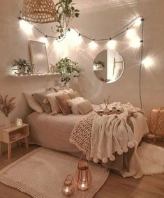 124 brilliant dorm room decor ideas with small space hacks 4 Bedroom Decor For Teen Girls, Cute Bedroom Ideas, Room Ideas Bedroom, Teen Room Decor, Small Room Bedroom, Bedroom Inspo, Small Apartment Bedrooms, Teen Bed Room Ideas, Bedroom Ideas For Small Rooms For Teens