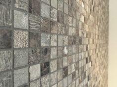 Je geeft je badkamer een levendig karakter met deze prachtige natuursteen mozaieken.