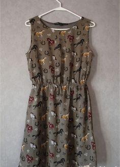 Kup mój przedmiot na #vintedpl http://www.vinted.pl/damska-odziez/krotkie-sukienki/7724971-sukienka-w-konie