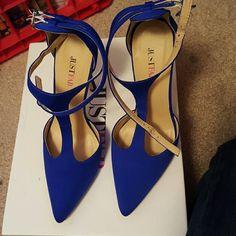 Justfab Heels Brand new never been worn. JustFab Shoes Heels