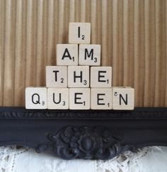 I Am The Queen Decor Alice And Wonderland Quotes, Queen Of Everything, Paper Crafts, Diy Crafts, What Inspires You, Set You Free, October 2014, Red Hats, Queen Bees