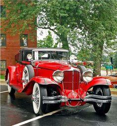 1931 Cord – (Auburn Automobile Company, Connersville, Indiana e … - Klassische Autos Auto Retro, Retro Cars, Vintage Cars, Antique Cars, Cord Automobile, Automobile Companies, Auburn Automobile, Auburn Car, Old Classic Cars