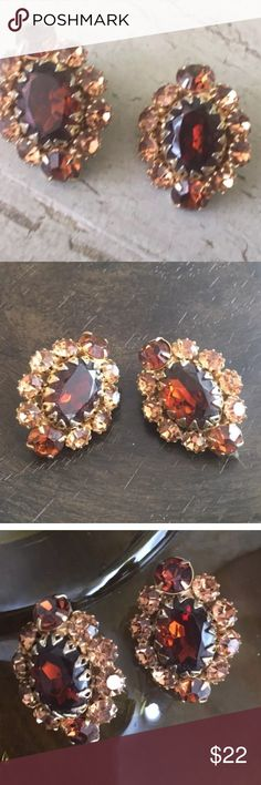 Amber Stone Rhinestones Vintage Clip On Earrings Amber glass cab Amber rhinestones Gold tone setting Prong set stones Estate jewelry Mid century jewelry Beautiful! Vintage Jewelry Earrings