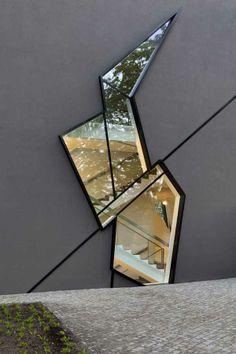 Glass cut out section / Felix Nussbaum Haus Extension by Studio Daniel Libeski