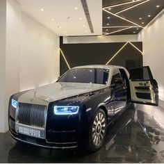 Dual Shade Phantom Nano coated by - by Royce Fan Rolls Royce Phantom, Rolls Royce Wraith, My Dream Car, Dream Cars, Rolls Royce Cullinan, Bentley Flying Spur, Rolls Royce Motor Cars, Bentley Mulsanne, Lux Cars