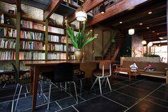 【ブックカフェに学ぶ】本棚のあるインテリア画像集 - NAVER まとめ Kyoto, Bookshelves, Japan, The Originals, Table, Inspiration, Furniture, Naver, Design