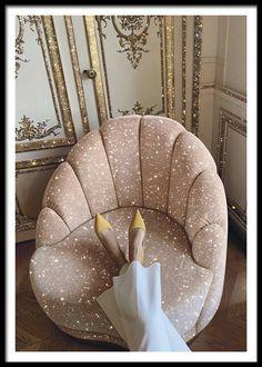 Glitter Photography, Pinterest Instagram, Glitter Art, Sparkles Glitter, Black Glitter, Maker, Glitz And Glam, Looks Cool, My New Room