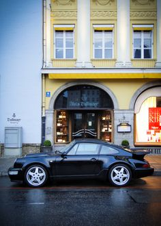 Porsche 911. I have a serious thing for Porsches since the 1980s