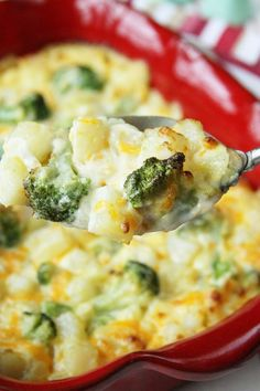 This Scalloped Potatoes with Broccoli recipe is simplified by using Simply Potatoes! #easy #recipes ##sidedish #potatoes #scalloped