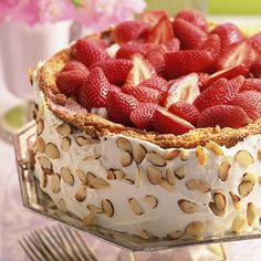 Recipe Delicious strawberry cake, Very Easy, Dessert Diabetic Desserts, Just Desserts, Delicious Desserts, Dessert Recipes, Yummy Food, Healthy Food, Food Cakes, Cupcake Cakes, Cupcakes