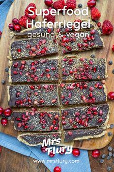 Superfood Haferriegel - gesund und vegan backen - Mrs Flury Vegan Sweets, Vegan Snacks, Healthy Desserts, Vegan Recipes, Vegan Food, Healthy Food, Healthy Lifestyle, Sweet Treats, Food And Drink