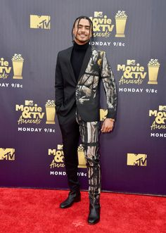 "Quincy from MTV Movie & TV Awards Red Carpet Fashion The singer's suit gives ""modern art"" a new meaning. Black Men Street Fashion, Brown Fashion, Denim Fashion, Movie V, Quincy Brown, Big And Tall Style, Tv Awards, Black Tv, Denim Ideas"