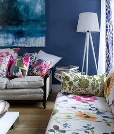 sala de estar com várias cores