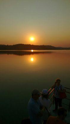 Fim de tarde no Lago do Itá, SC.