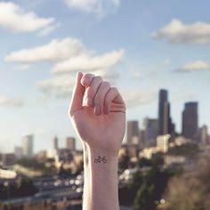 IdeaFixa http://www.ideafixa.com/tatuagens-e-associacoes-visuais/