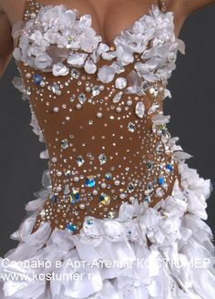 Images in Marina's post Dance Costumes Lyrical, Jazz Costumes, Mardi Gras Costumes, Belly Dance Costumes, Latin Dance Dresses, Ballroom Dance Dresses, Ballroom Dancing, Carnival Dress, Diy Bra