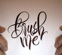 Brush me! Come avere sempe denti bianchi Chi di voi non ha mai avuto bisogno di denti più bianchi senza spendere troppo o ricorrere a metodi