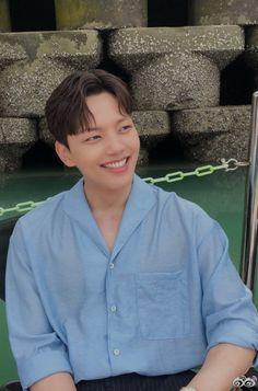 Yeo Jin Goo (여진구) Handsome Korean Actors, Handsome Boys, New Actors, Actors & Actresses, Jin Goo, Korean Celebrities, Celebs, Sad Movies, Kdrama Actors