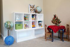 play room Storage 4 - long toys at bottom