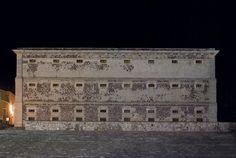 La Alhóndiga de Granaditas, ubicada en el corazón de Guanajuato, fue el escenario de la primera victoria de la lucha por la Independencia de México. Conoce más en http://www.mexicanisimo.com.mx/alhondiga-de-granaditas/#header