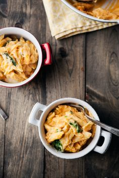 Sweet Potato and Spinach Mac and Cheese, naturally ella has a great list of thanksgiving vegan dishes that seem comforting and satisfying Spinach Mac And Cheese, Vegan Mac And Cheese, Mac Cheese, Spinach Pasta, Macaroni Cheese, Cheese Sauce, Pasta Recipes, Cooking Recipes, Cheese Recipes