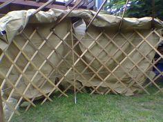 Build Your Own Yurt Using Papercrete Diy Mother Earth News Deck Plans, Pergola Plans, Pergola Kits, Greenhouse Plans, Cool Deck, Diy Deck, Building A Yurt, Patio Roof Covers, Mongolian Yurt