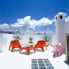 Dar Beida roof terrace... 200-year old traditional style 'dar' (Moroccan house). Moroccan design, quirky artefacts and modern touches. Boutique luxury holiday villas to rent in Essaouira, Morocco.