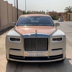 Best Luxury Car Enthusiast Online Community - Luxury World Cars Luxury Sports Cars, Top Luxury Cars, Sport Cars, Voiture Rolls Royce, Rolls Royce Cars, Rolls Royce Limousine, Lux Cars, Rolls Royce Phantom, Rolls Royce Wraith