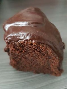The world& best chocolate - sheet cake . - The world& best chocolate sheet cake, a popular recipe from the cake category. Chocolate Cake From Scratch, Chocolate Cake Recipe Easy, Best Chocolate Cake, Homemade Chocolate, Chocolate Recipes, Banana Bread Recipes, Easy Cake Recipes, Snack Recipes, Food Cakes
