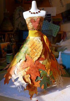 La maison de Plume: Inspiration feuille / Leaf-spiration Simon Says Crazy Dresses, Little Dresses, Paper Clothes, Paper Dresses, Costume Carnaval, Paper Art, Paper Crafts, Mannequin Art, Paper Fashion