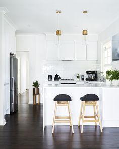 Kitchen Interior Design Remodeling White kitchen renovation by Freedom Kitchens. Home Kitchens, House Design Kitchen, Small White Kitchens, Small House Kitchen Design, White Kitchen Makeover, Kitchen Interior, Kitchen Layout, Home Decor, Budget Kitchen Remodel
