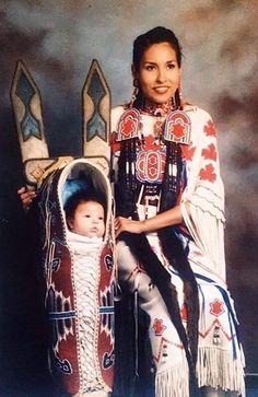 - Amerikanische Indianer heute - American Indians of today - Native American Regalia, Native American Children, Native American Pictures, Native American Artwork, Native American Quotes, Native American History, American Indians, Inka, American Pride