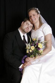 Awkward Wedding Photo---bwuwhahahahahah!!!! :)